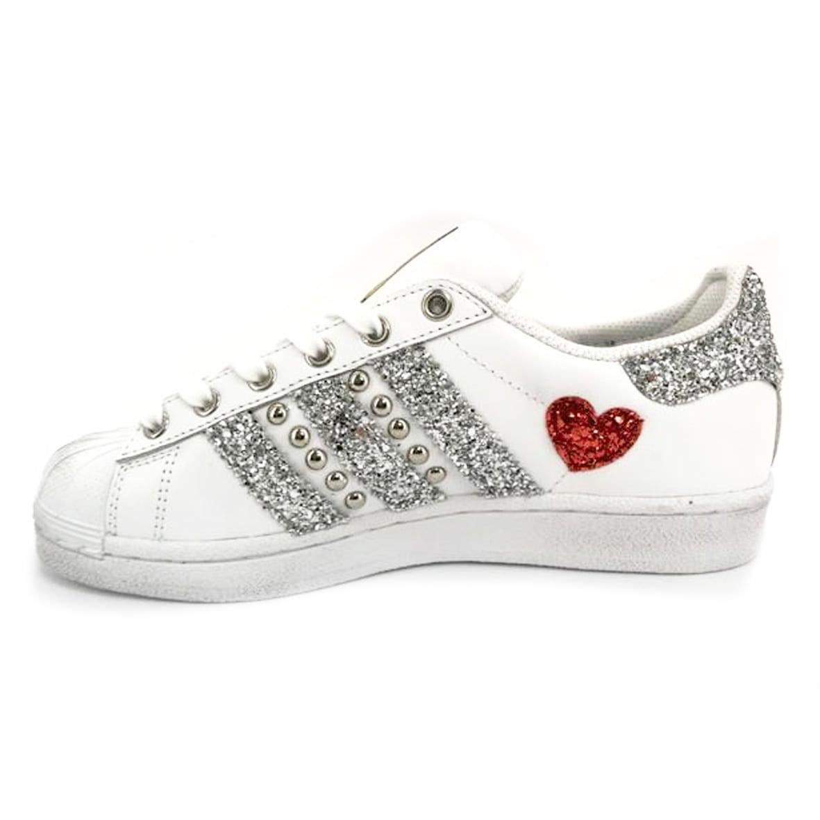 scarpe donna adidas con cuori